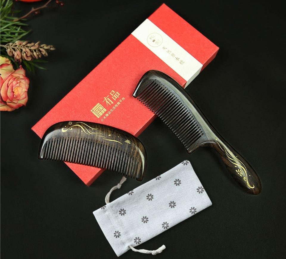Деревянная расческа для волос XinZhi Ebony в подарочной упаковке