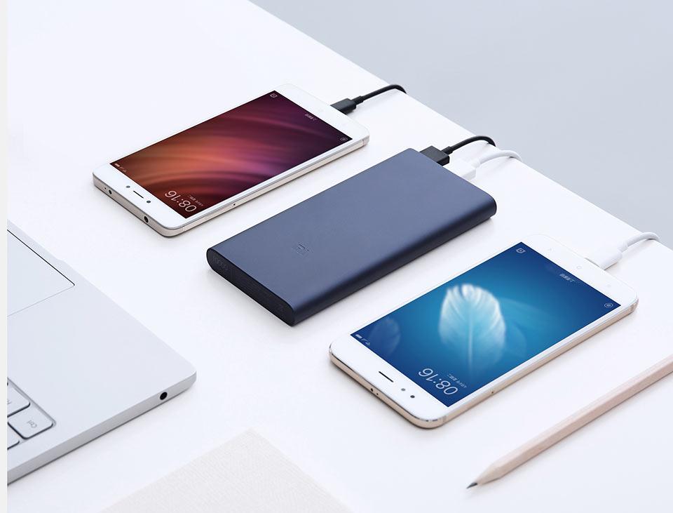 Mi Powerbank 2  зарядка двух смартфонов одновеременно