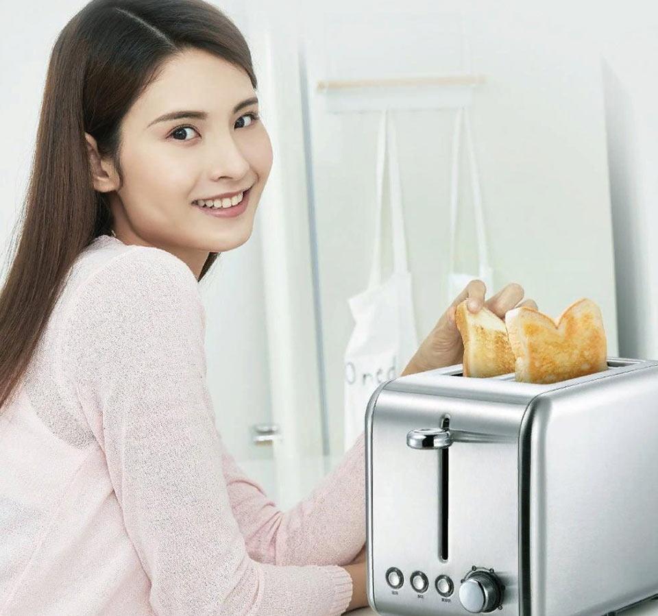 DEERMA DEM-SL281 девушка и тостер