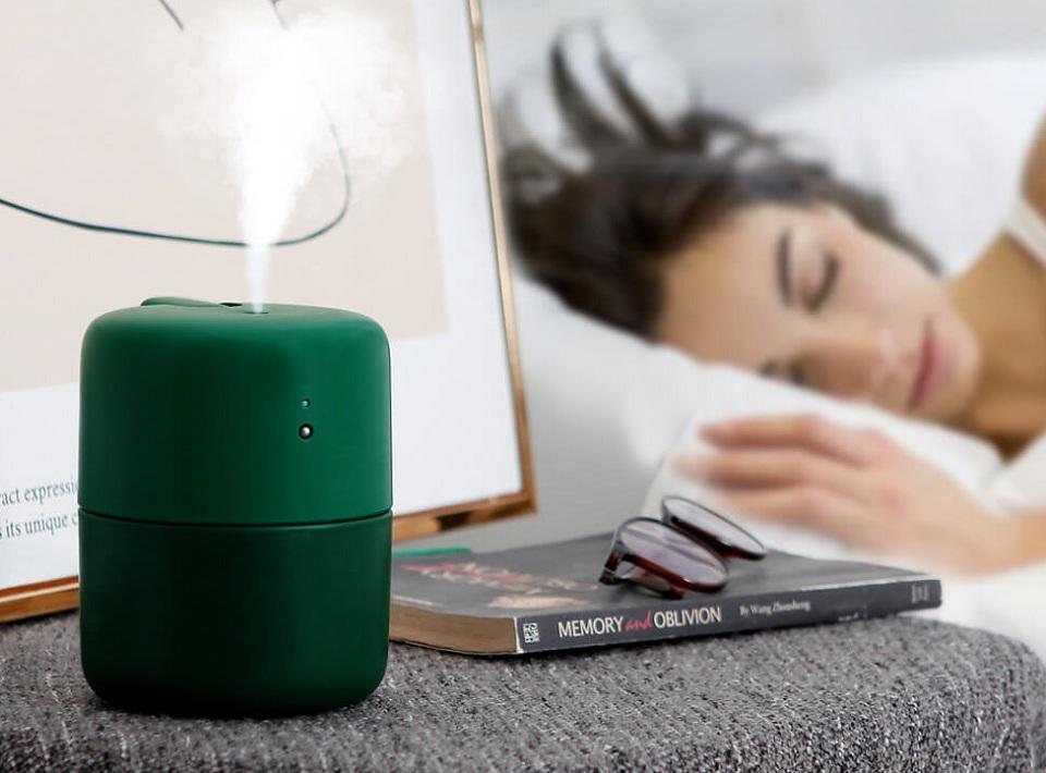 Портативный увлажнитель VH H01 в спальне
