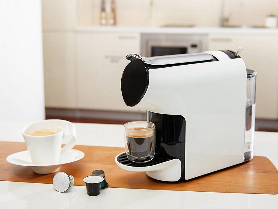Кофемашина Scishare Coffee Machine на кухонном столе